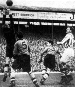 Bert Williams gathers safely in the title showdown at The Hawthorns in 1954, watched by Bill Shorthouse, no 3 Roy Pritchard and makeshift Albion forward Ray Barlow.