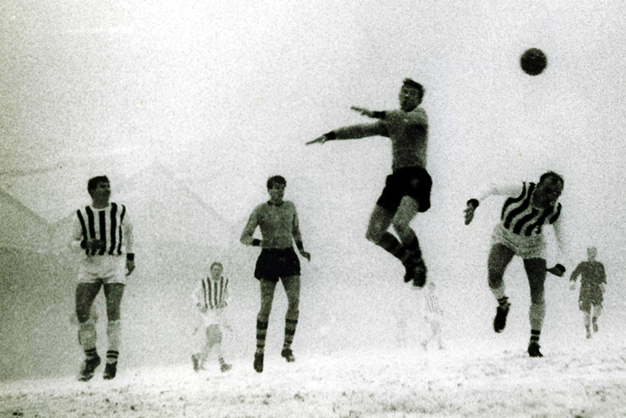 How long can this go on? Wolves and Albion battle it out under the eye of a watchful eye in 1962-63.