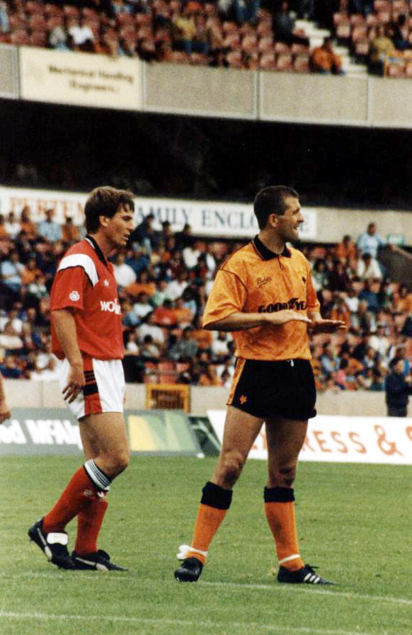 Calm down, calm down.....Bully must have been talking to a Liverpudlian strike partner in this photo by Mutchy.